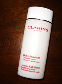 Chemical Exfoliant Reviews: Neutrogena 3-in-1 Hydrating Acne Treatment (BHA) + Clarins Gentle Exfoliator Brightening Toney